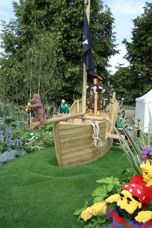Charmant Decking LEGOLAND Timber Pirate Ship